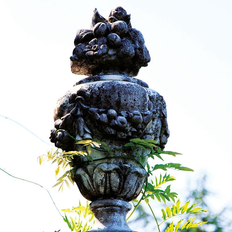 Colletto Villas close up of a statue