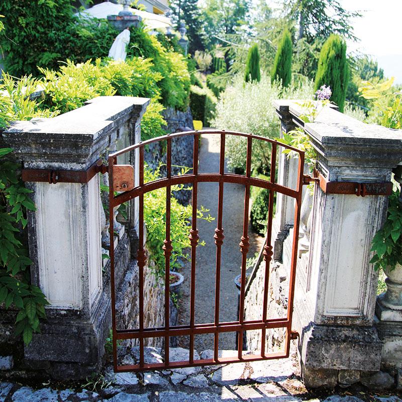 Colletto villas gate