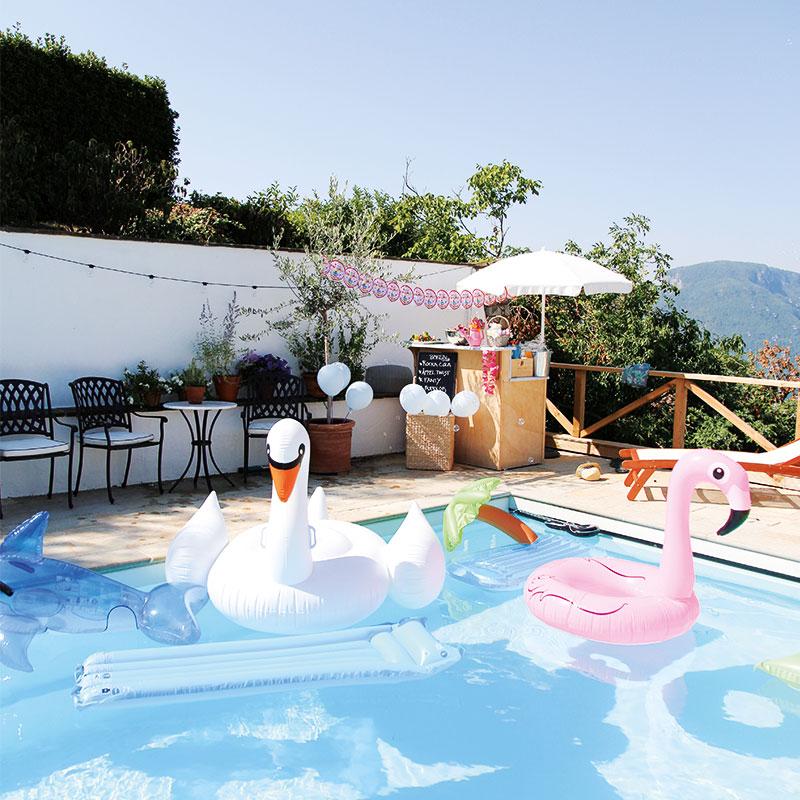 Colletto Villas Pool Party